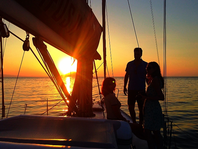 Magic Sunset Sailing from 19:00 to 22:00